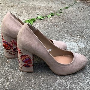 Taupe Embroidered Heel